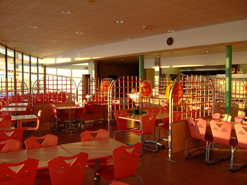 Mensa unsere Austauschschule in Frankreich Collège-Irène-Joliot-Curie