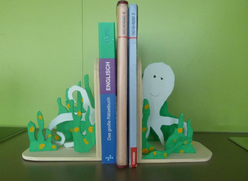 Buchstützen gefertigt im Unterrichtsfach Werken